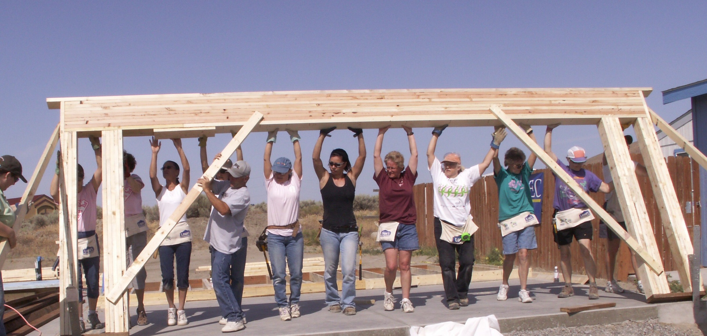 Women build week evergreen habitat for humanity for Construction habitat